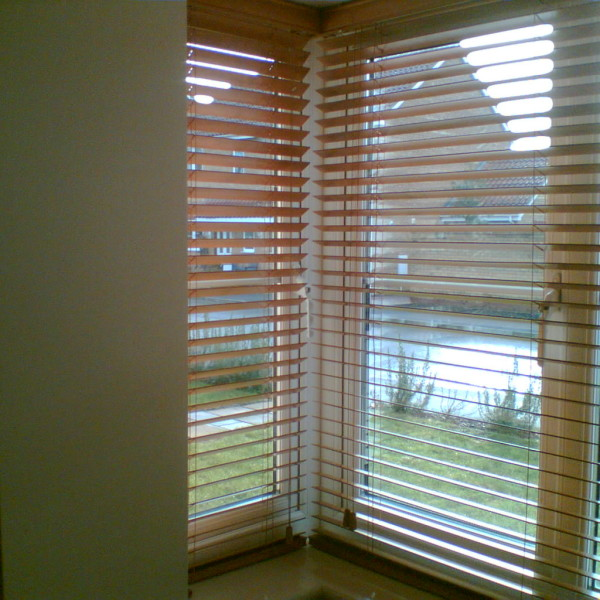 Wooden Venetian Blinds In A Square Bay Window Baileys Blinds
