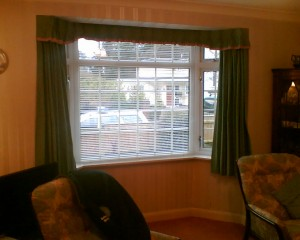 Venetian Blind In Bay With Side Curtains Open